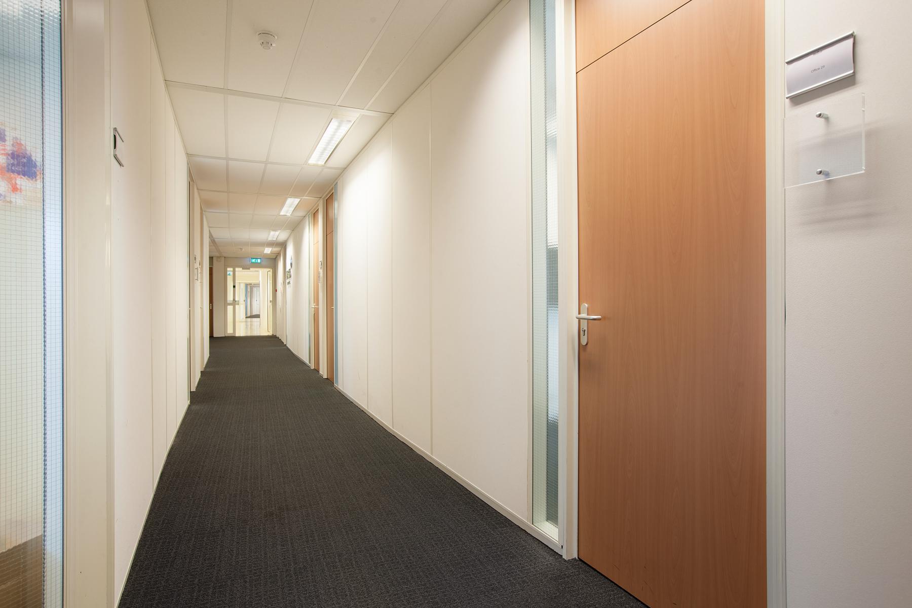 gangpad kantoorpand Graadt van Roggenweg Utrecht