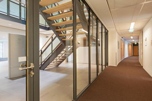 trap kantoorpand Utrecht Newtonlaan