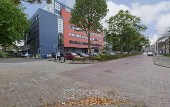 vooraanzicht kantoorpand Utrecht Goeman Borgesiuslaan