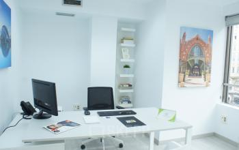 Oficina con vista a la calle colón Valencia