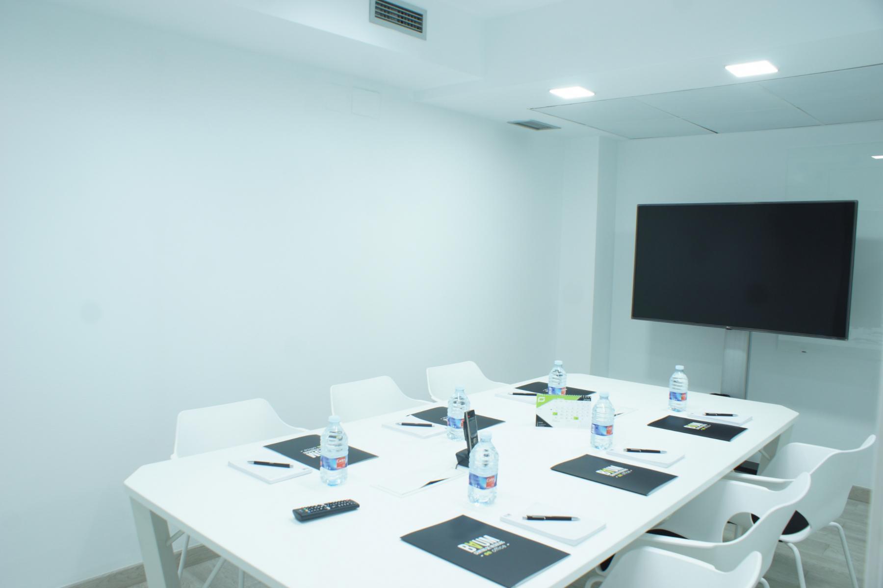 Una de las salas de reuniones en calle colon 4