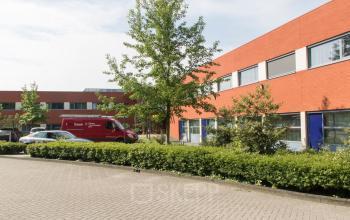 kantoorgebouw huren aan kerkhofstraat in valkenswaard met parkeerruimte