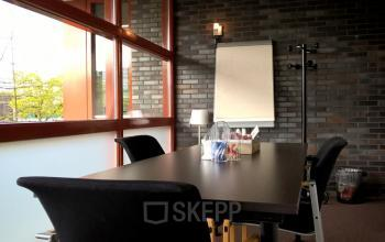vergaderruimte presentatie kantoorkamer kantoorpand Veenendaal