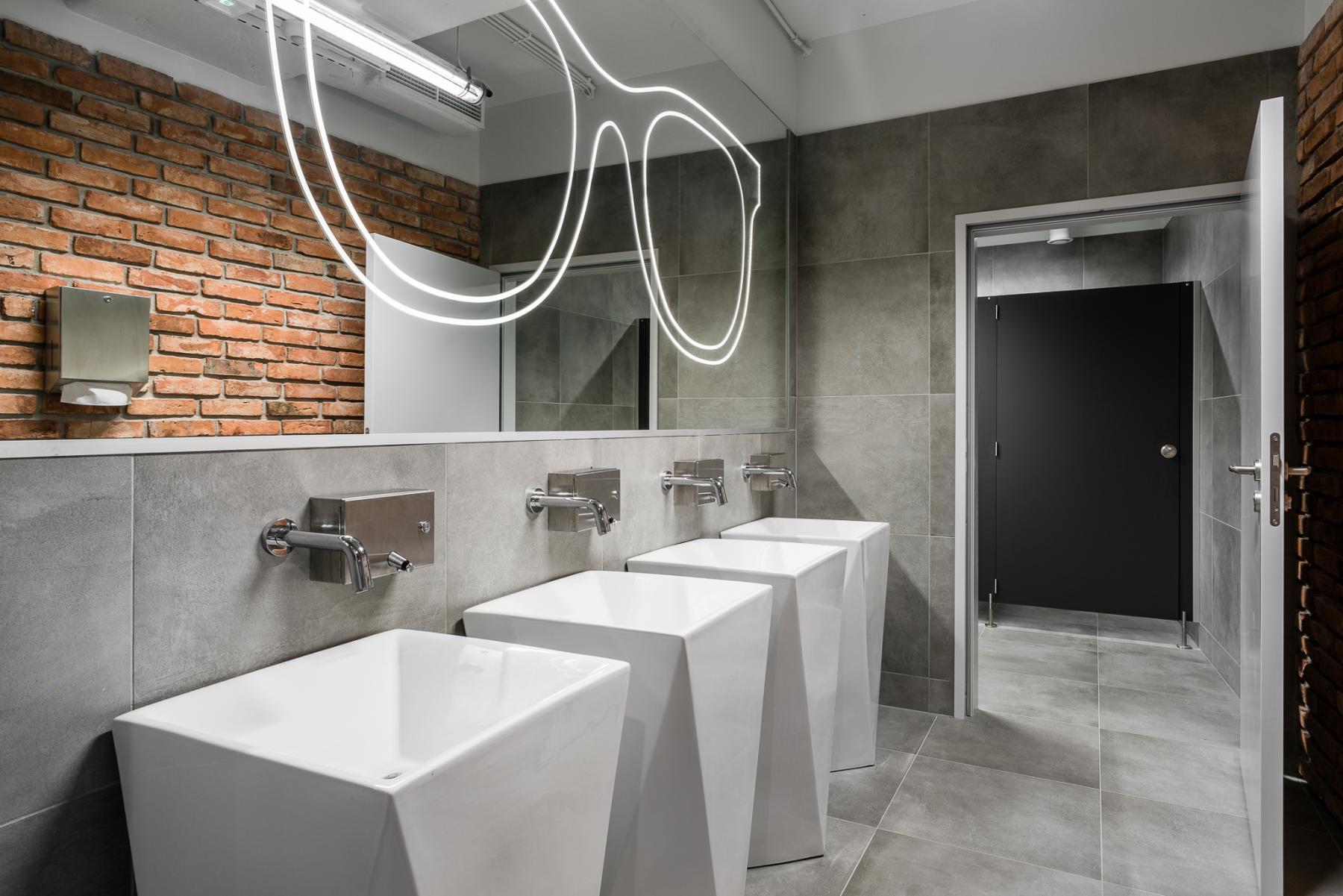 toaleta aleje jerozolimskie 181b warszawa beyourself