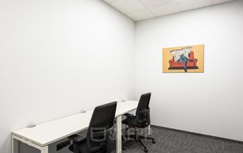 małe biuro do wynajęcia w biurowcu solec