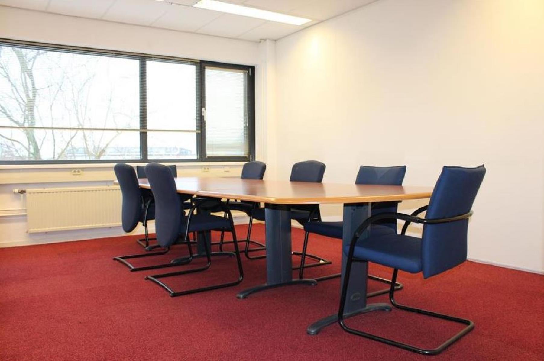 woerden kantoorpand pelmolenlaan vergaderzaal