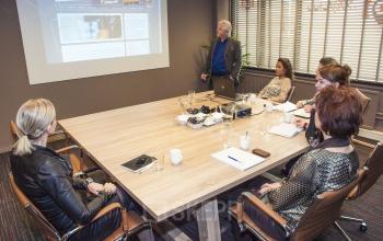 vergadering kantoorgebouw woerden vergaderruimte acht personen