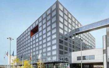 Beeindruckende Außenansicht der Immobilie an der Hotelstraße in Zürich