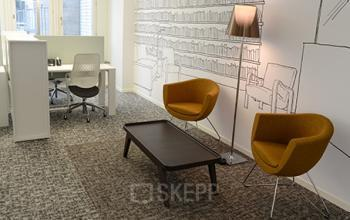 Stilvolle Business Lounge des Bürogebäudes in Zürich